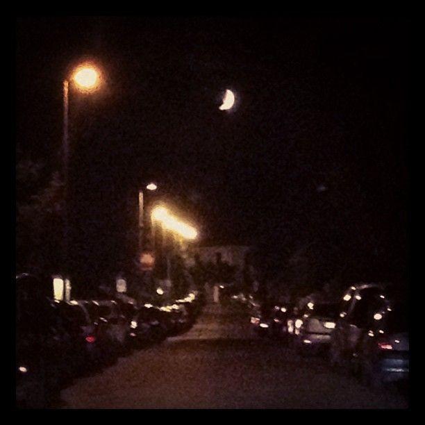 Luna su via al Quarto Miglio | ph @bastet  #QuartoMiglio #IVmiglio #roma #luna #mymoon