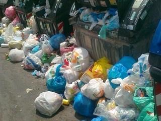 Raccolte 8.500 firme per salvare Roma dal degrado dei rifiuti