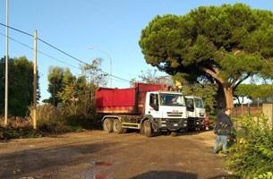 Operazione straordinaria di pulizia su via Appia, rimosse 15 tonnellate di materiali