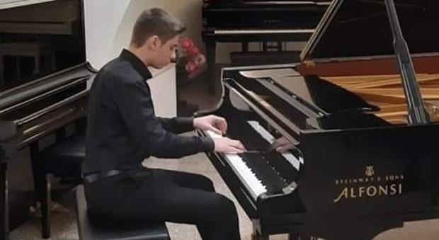 Matteo, il piccolo pianista che conquista il mondo: da Quarto Miglio alla Carnegie Hall